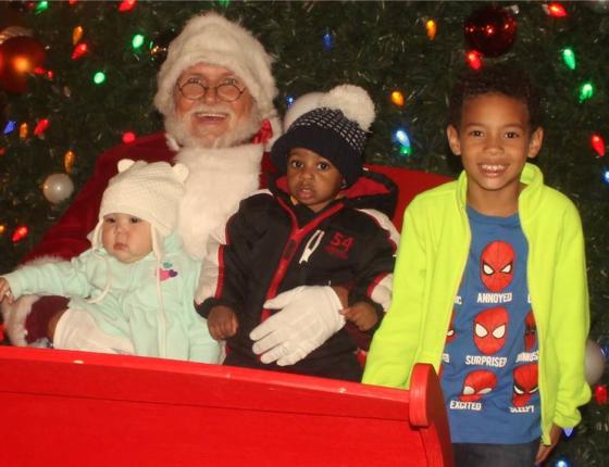 Complimentary Santa Photo Opportunity For Your Children and Pets