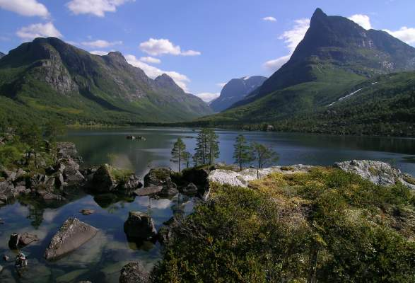 Hike to Innerdalen, the most beautiful valley in Norway