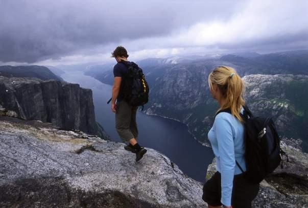 c5de86fc268e1 Pulpit Rock  Divine dawn - Visit Norway