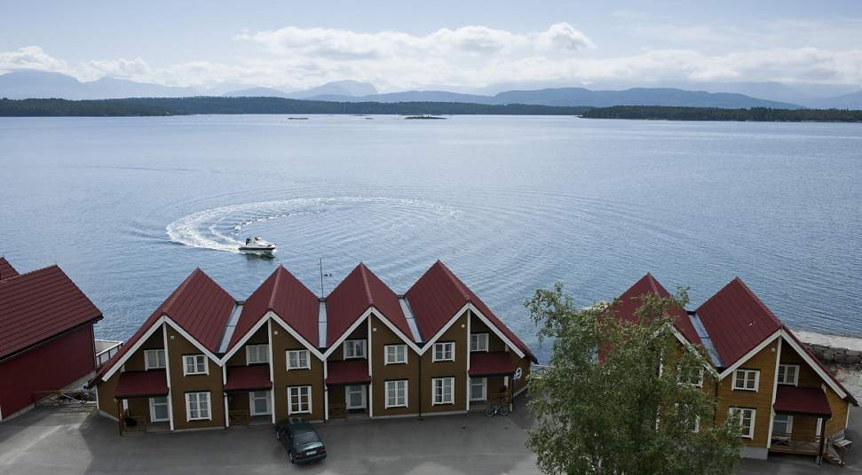 Leren Bank Denmark.Kviltorp Camping Cabins And Seahouses