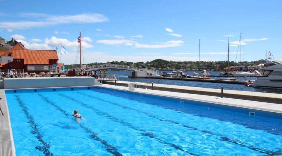Temporarily closed: Swimming pool at Arendal Marina on ymca pool closed, pool cover closed, gym pool closed, swimmong pool closed, winter pool closed, parking closed,