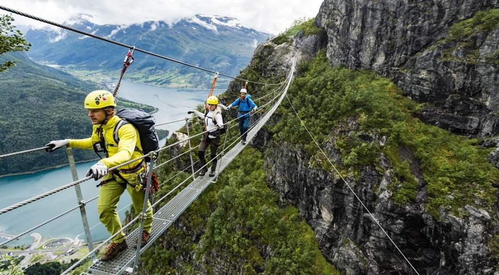 Klettersteig Englisch : Klettersteig in loen via ferrata