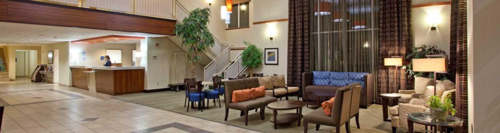 Holiday Inn Express & Suites SeaTac