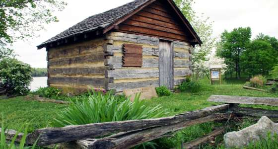 Sarah Bush Johnston Lincoln Memorial Cabin