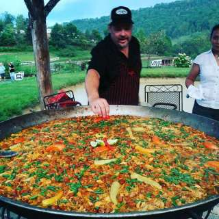 Spanish Paella & Wine Dinner