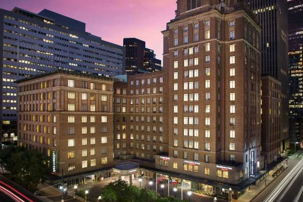 Courtyard by Marriott Downtown 20% Discount