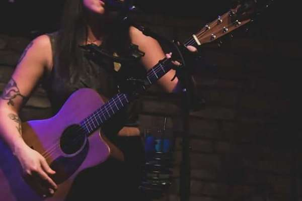 Live Music with Mercedes Saldivar