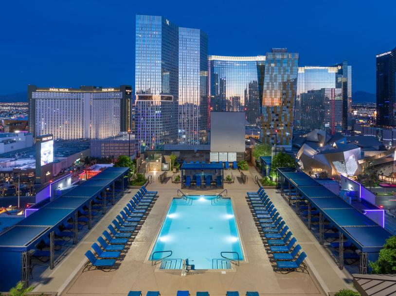 Polo Towers Villas & Suites