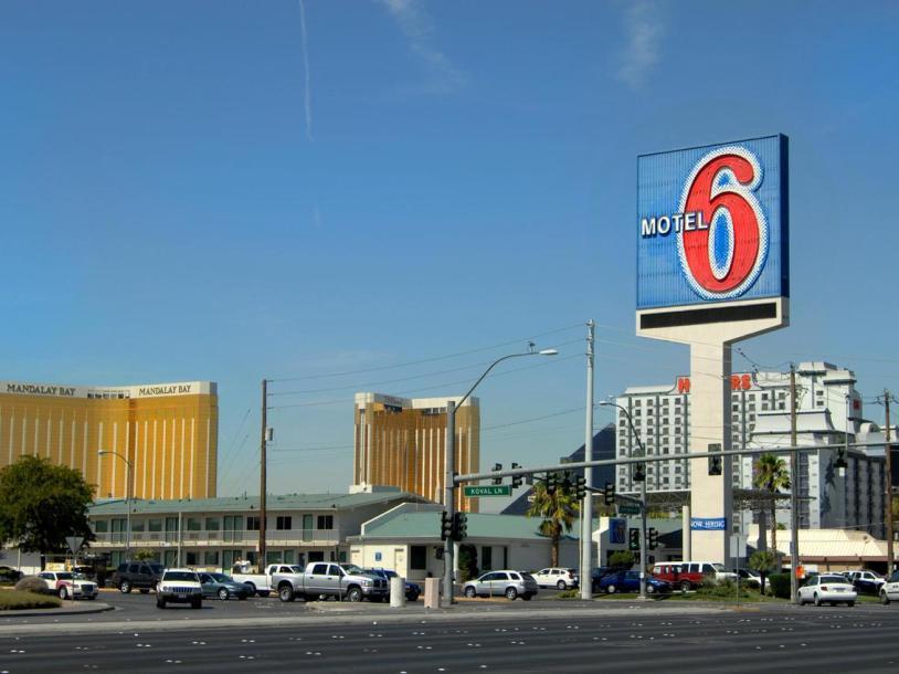 Motel 6 - Tropicana