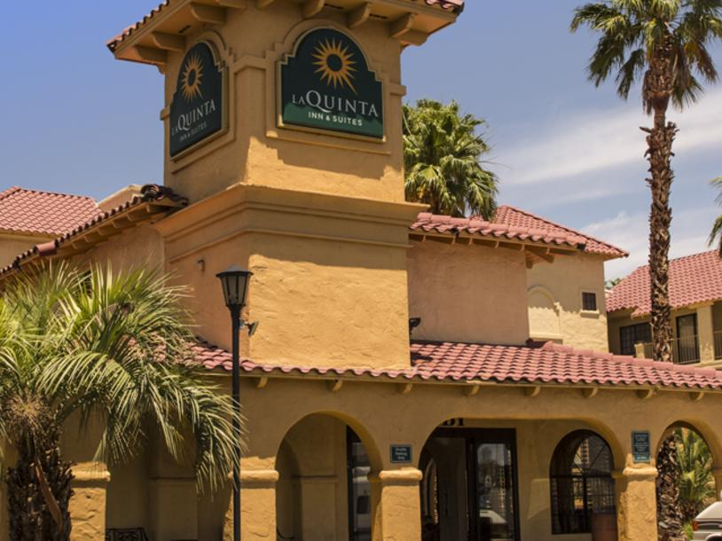 La Quinta Inn & Suites - North Conv. Ctr.