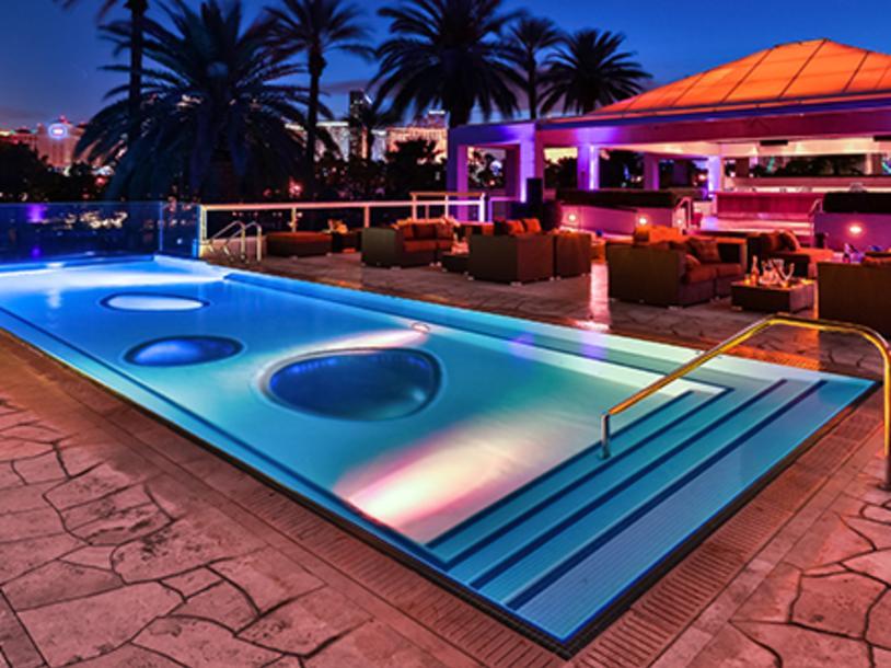 Breathe Pool Lounge