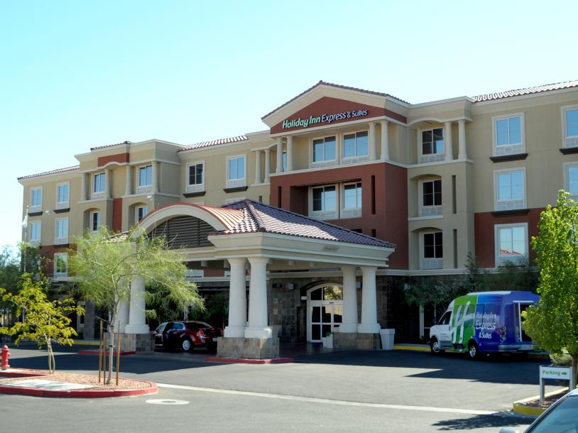 Holiday Inn Express & Suites - S Rainbow