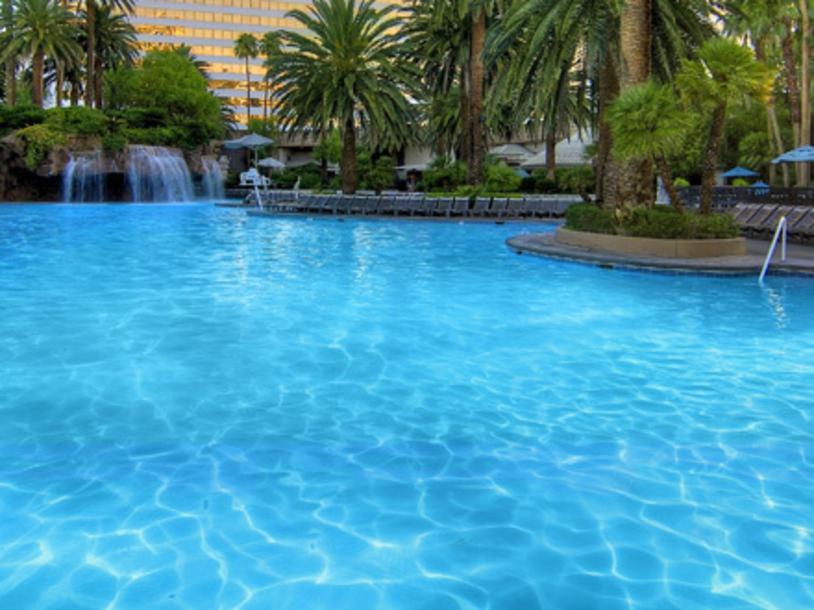 Mirage - Pool