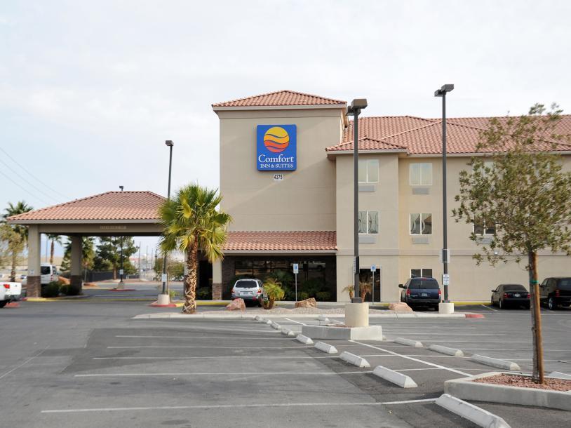 Comfort Inn & Suites - Las Vegas Nellis