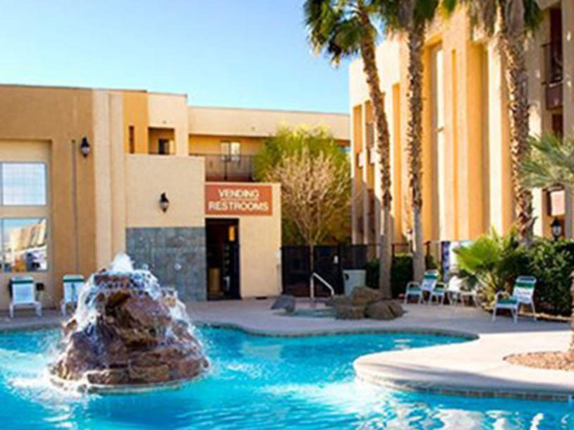 Emerald Suites - Convention Center