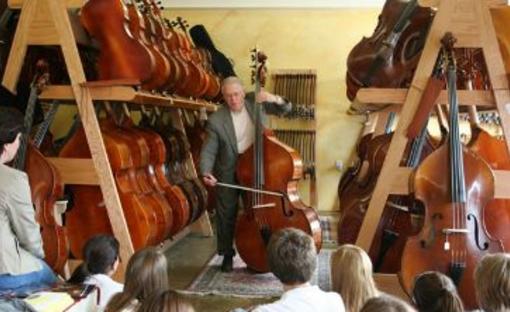 K C  Strings Violin Shop | Merriam, KS 66203