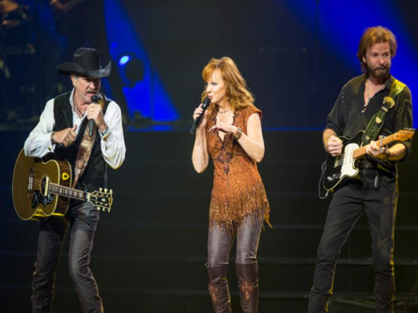 Reba, Brooks & Dunn Together In Vegas