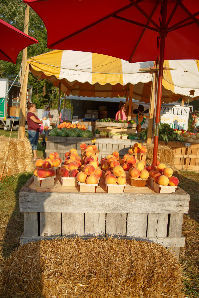 Peaches at Howard County Fair Farmer's Market
