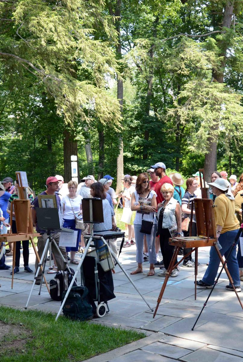 Onlookers at the 2016 Plein Air Art Festival