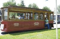 trolley-1.jpg
