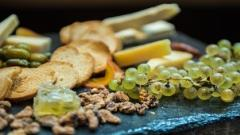 Holiday Hors D'oeuvres & Wine
