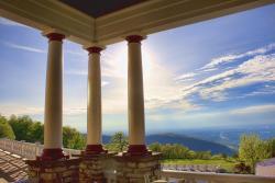 Summit Inn Resort Veranda
