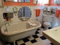 Good Ol Days House Bathroom