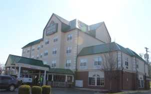 Country Inn & Suites; Lexington, KY