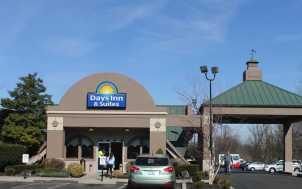 Days Inn & Suites; Lexington, KY