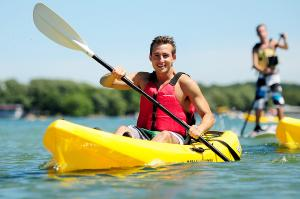 canandaigua-lake-kayaking-summer-day