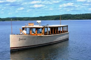 Tour on Lake Champlain