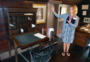 Susan B. Anthony Museum docet shares stories.