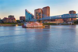 BB Riverboat Skyline Roebling