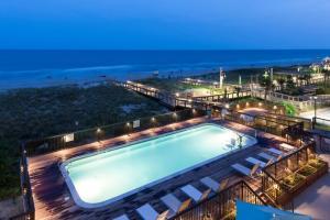 Hampton Inn & Suites CB
