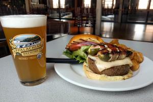 appalachian-brewing-company-harrisburg-beer-burger