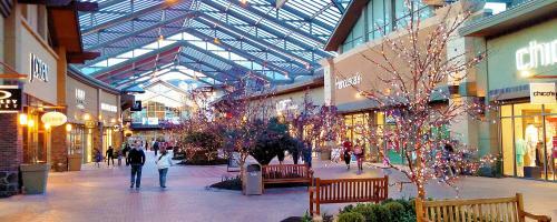 Traverse Mountain Outlets Shopping