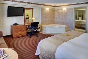 Lakeview Inn & Suites Brandon Suite