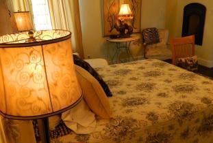 Harlequin House Bed & Breakfast