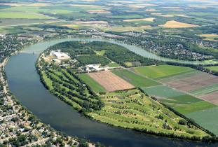 Aerial view of Portage la Prairie Golf Course