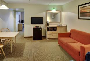 Thompson Inn & Suites Suite