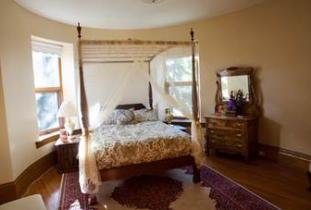 Bella's Castle Bed & Breakfast four poster bed
