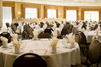 Book Your Holiday Party at Hawthorn Suites by Wyndham Madison Fitchburg