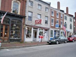 Doms barber shop exterior