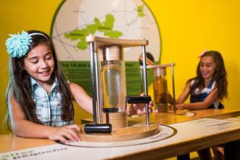 Da Vinci Science Center Girls Playing