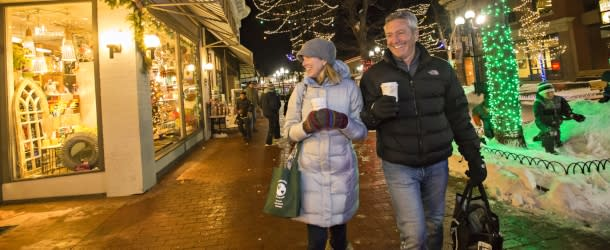Pearl Street Holiday Shopping