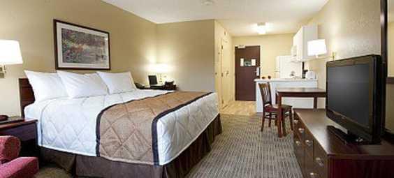 Extended Met Guestroom