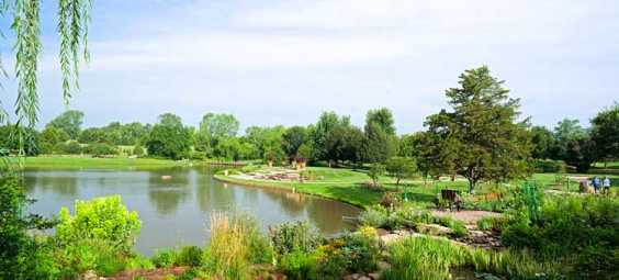 Vacation-To-The-Monet-Garden-at-the-Overland-Park-Arboretum