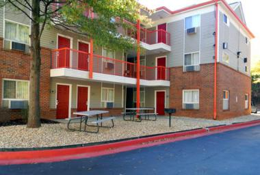 Stay Inn & Suites Exterior 2