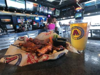 aroogas-wings-beer-harrisburg