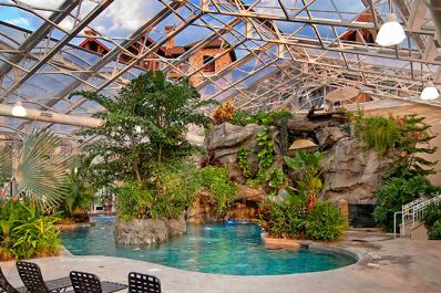 Grand Cascades Pool